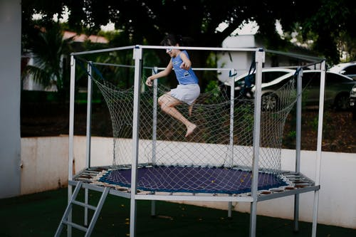 trampoline with enclosure and safety net